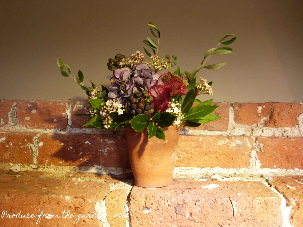 Christmas flower arrangment