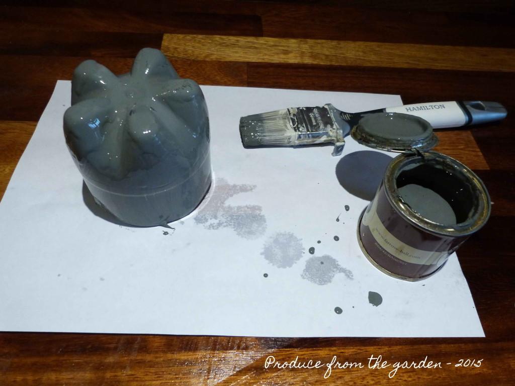 Making a arrangement vase