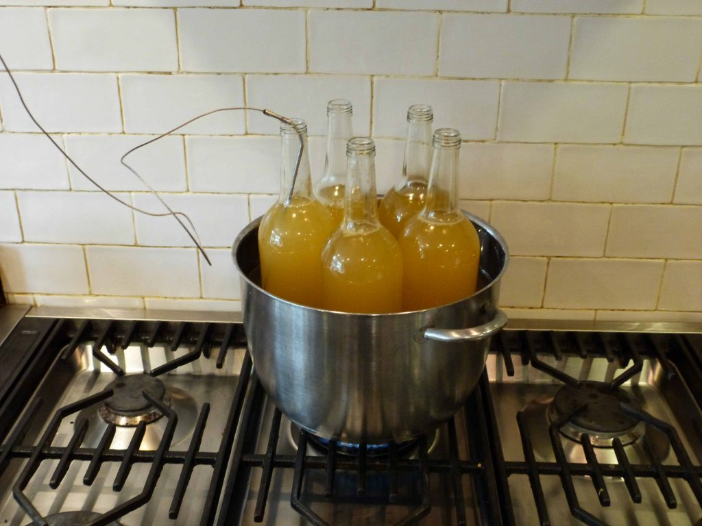 Pasteurising the apple juice